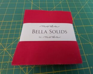 Bella Solids CHRISTMAS RED PP